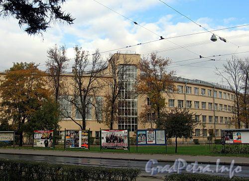Кронверкский пр., д. 9. Общий вид. Фото октябрь 2010 г.