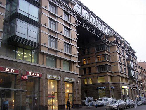 Невский пр., д. 133-137. Фрагмент фасада.