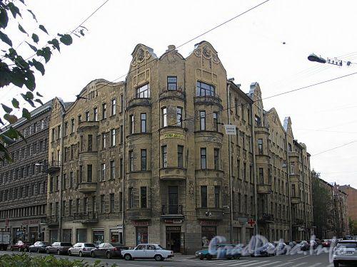 Кронверкский пр., д. 65 (правая часть) / Съезжинская ул., д. 37. Общий вид. Фото октябрь 2010 г.