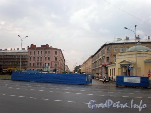 Вид на пр. Бакунина от Синопской набережной. Фото 2008 г.