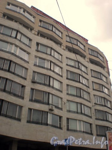 Пр. Лиговский д. 105, общий вид здания. Фото 2008 г.