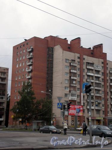 Пр. Мориса Тореза, д. 38, общий вид здания. Фото 2008 г.