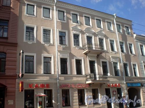 Невский пр., д. 127, общий вид здания. Фото 2008 г.
