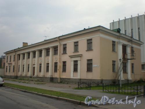 Пр. Обуховской Обороны, д. 51 к. Я, общий вид здания. Фото 2008 г.