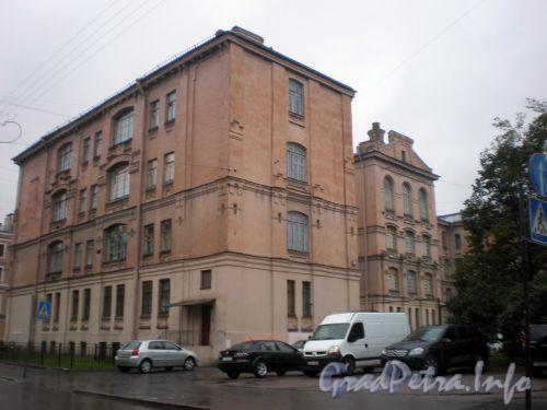 Греческий пр., д. 8. Общий вид здания. Октябрь 2008 г.