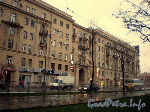 Московский проспект, д. 167. Общий вид «дома с Аптекой». Октябрь 2008 г.
