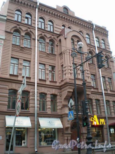 Невский проспект, д. 129. Общий вид здания. Ноябрь 2008 г.
