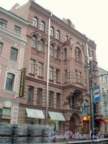 Невский проспект, д. 129. Общий вид здания. Октябрь 2008 г.