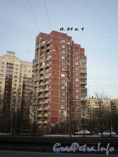 Тихорецкий пр., д. 31, к. 1. Общий вид здания. Апрель 2009 г.