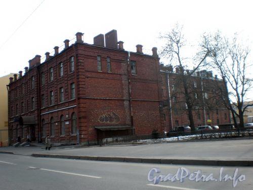 Бол. Сампсониевский пр., д. 88. Общий вид здания со стороны 1-ого Муринского пр.а. Апрель 2009 г.