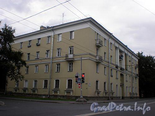 Волковский пр., д. 16. Общий вид здания. Фото июль 2009 г.