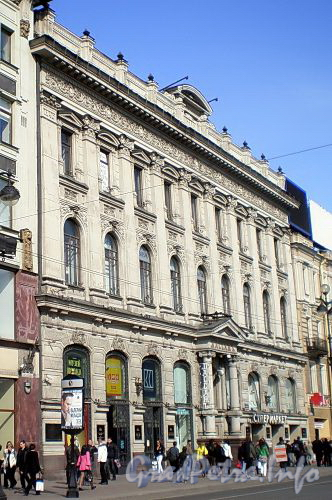 Невский пр., д. 48. Здание «Пассажа». Фото апрель 2009 г.