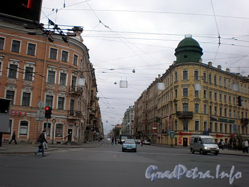 Перспектива Большого проспекта П.С. отждановской набережной в сторону улицы Красного Курсанта. Фото сентябрь 2008 г.