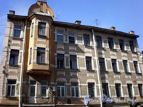 Малый пр., В.О., д. 7. Бывший доходный дом. Фасад здания. Фото апрель 2009 г.