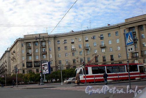 Московский пр., д. 171 /  ул. Фрунзе, д. 8. Общий вид здания. Фото октябрь 2008 г.