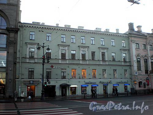 Невский пр., д. 19. Фасад здания. Фото октябрь 2009 г.