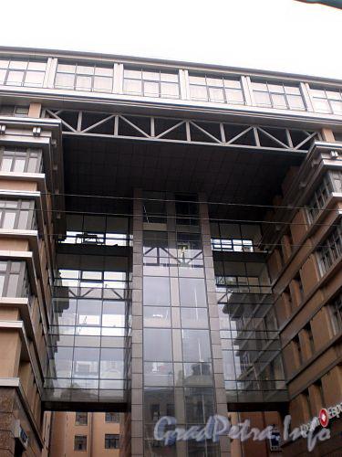 Невский пр., д. 133-137. Средняя часть здания. Фото октябрь 2008 г.