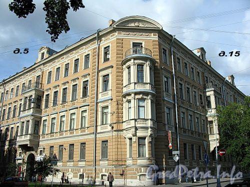 Большой пр. В.О., д. 15 / 4-я линия В.О., д. 5. Доходный дом Л. Е. Кенига. Общий вид здания. Фото август 2009 г.