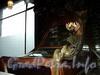 Невский пр., д. 56. Торговый зал «Елисеевского» гастронома. Основание настенного светильника. Фото февраль 2011 г.