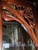 Невский пр., д. 56. Торговый зал «Елисеевского» гастронома. Декоративная накладка оригинальной входной двери. Фото февраль 2011 г.