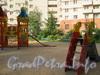 Комендантский пр., д. 11. Детская площадка во дворе дома. Фото 2011 г.