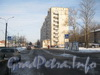 Ириновский пр., дом 37, корп. 1. Проезд («Карман») параллельно Ириновскому пр. перед домом 37 корпус 1. Вид в сторону ул. Коммуны. Фото февраль 2012 г.