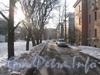 Проезд вдоль вторых корпусов малоэтажных домов по Ириновскому пр. Вид от дома 41 корпус 2 в сторону дома 37 корпус 2. Фото февраль 2012 г.