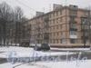 Общий вид дома со стороны трамвайного кольца трамвая 45 маршрута. Фото февраль 2012 г.