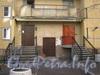 Ленинский пр., дом 75 корпус 2. Парадные крыла, идущего параллельно Ленинскому пр. Фото март 2012 г.