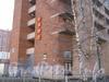 Ленинский пр., дом 89. Общий вид дома с торца и таблички с его номером. Фото март 2012 г.