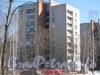 Пр. Ветеранов, дом 71, корпус 5. Вид от границы парка «Александрино». Фото март 2012 г. .