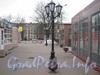 Витебский пр., дом 47. Площадь перед зданием ж/д касс и торговыми павильонами. Фото апрель 2012 г.