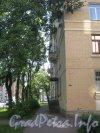 Ленинский пр., дом 116. Проход вдоль дома со стороны Ленинского пр. Фото август 2012 г.