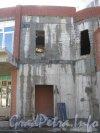 Ленинский пр., дом 99. Строящийся дом и строительство помещений под аренду на углу дома. Фото 8 сентября 2012 г.