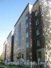 Пр. Народного Ополчения, дом 137, корп. 2. Общий вид со стороны парадных. Фото май 2012 г.