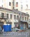 Литейный пр., дом 45 / ул. Белинского, дом 8, лит. Б. Вид со стороны дома 43 по Литейному проспекту. Фото октябрь 2012 г.