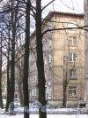 Пр. Елизарова, дом 11. Фасад здния со стороны улицы. Фото октябрь 2012 г.