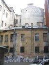 Литейный пр., дом 49. Дома во дворе. Фото 30 июня 2012 г.