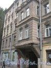 Нарвский пр., дом 25. Фрагмент фасада. Фото 5 октября 2012 г.