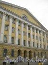 Старо-Петергофский проспект, дом 2. Фрагмент фасада. Вид со Старо-Петергофского проспекта. Фото 19 октября 2012 г.