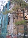 Пр. Энгельса, дом 107. Фрагмент здания. Общий вид. Фото 10 ноября 2012 г.