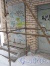Тихорецкий пр., дом 3, литера Д. Фрагмент ремонтируемого здания. Фото 17 февраля 2013 г.