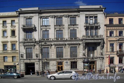 Невский пр., д. 58. Фасад здания. Фото 2011 г.