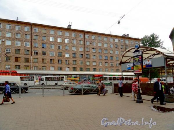 Пр. Стачек, дом 90. Фото ноябрь 2011 г.