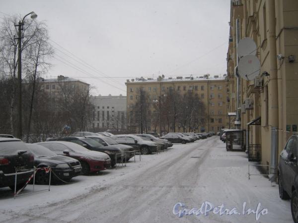 Московский пр., дом 167. Общий вид двора дома. Фото февраль 2012 г.
