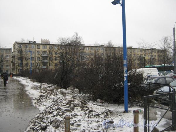 Ленинский пр., дом 162. Общий вид с Новоизмайловского пр. Фото март 2012 г.