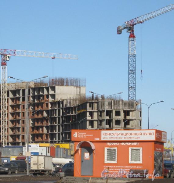 Пр. Кузнецова, дом 11, корпус 1. Общий вид строящегося здания со стороны Ленинского пр. Фото март 2012 г.