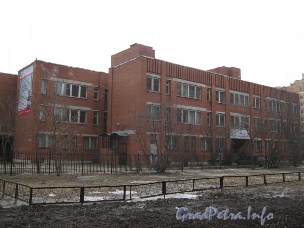 Пр. Маршала Жукова, дом 43, корпус 2. Общий вид со стороны дома 97, корпус 3 по Ленинскому пр. Фото март 2012 г.