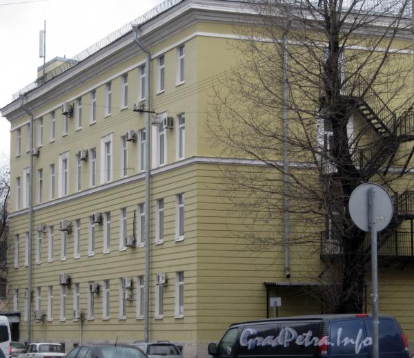 Измайловский пр., дом 10. Общий вид с Советского переулка. Фото март 2012 г.