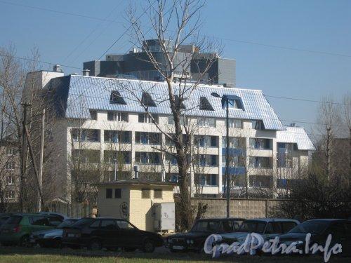 Дунайский пр., дом 13 корпус 2. Общий вид здания с Дунайского пр. Фото май 2012 г.
